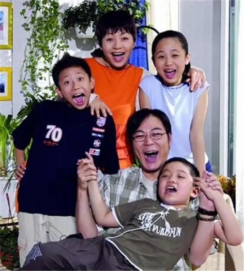 《家有儿女》阵容强大,认出了牛骏峰和马可,却没认出关晓彤和毛晓彤