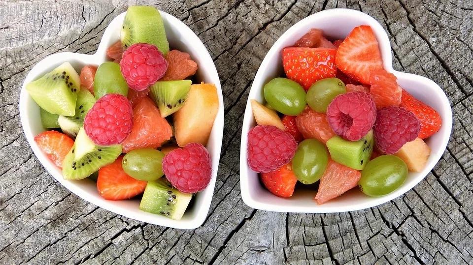 """健康吃水果:不甜不等于""""低卡"""""""
