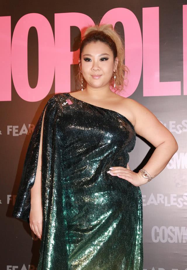 郑欣宜是很胖,但她毫不掩饰自己的身材,自信真实的她更漂亮!