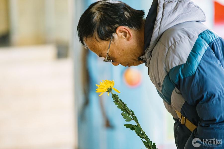 「環球網」首鋼籃球中心今起開放,北京球迷自發前往悼念吉喆