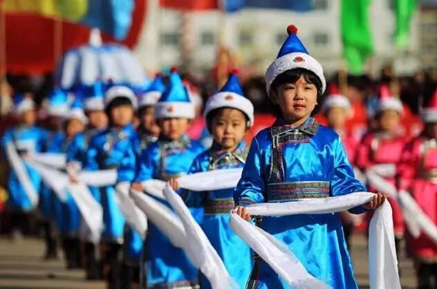 蒙古族五种颜色哈达都分别表达什么意思?