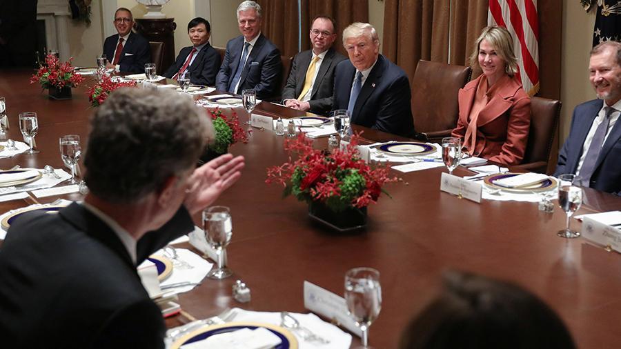 特朗普與俄官員相談甚歡 承諾將解決拒簽問題