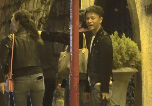 """""""香港小姐""""退圈甘当天王李克勤背后的女人,她的低调不输朱丽倩!"""