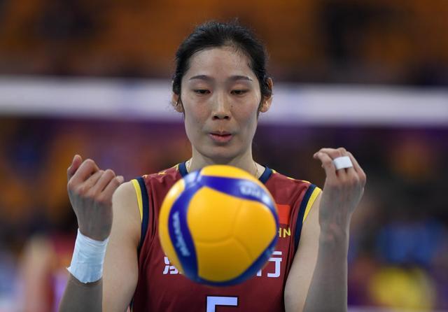 「運動幫」原創天津女排迎生死戰!朱婷還帶傷當保障?跳發球別人接不了?