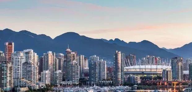客观真实!外国人如何评价加拿大四大城市,温哥华,多伦多,卡尔加里,蒙特利尔,你同意吗?
