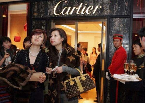 经济增长放缓,中国消费者购物热情不减?