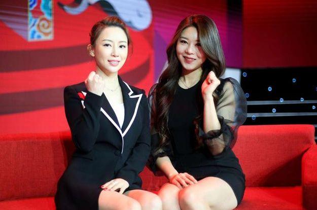 她是韩国台球皇后,因爱穿低胸装而出名,身材不输潘晓婷,仍单身