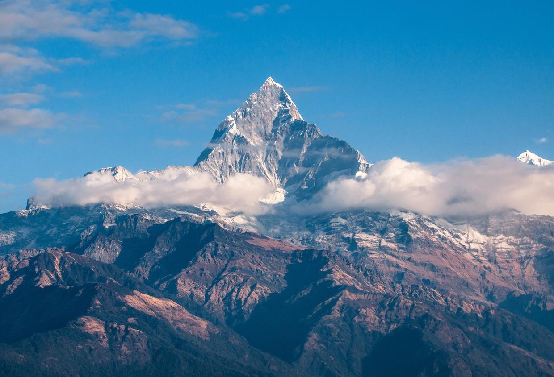 珠穆朗玛峰并不是最高山峰,地球上存在相对高差超过一万米的山峰_火星
