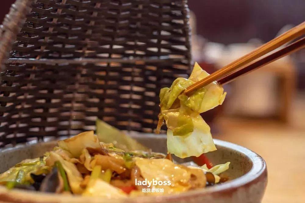 寺庙,素食,地图,阿姨,鲜味,大气,时候,辣酱,素鹅,汤头