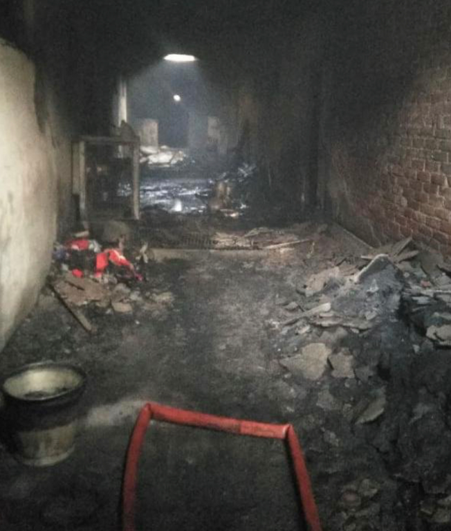 印度首都新德里一工厂发生大火 至少43人死亡