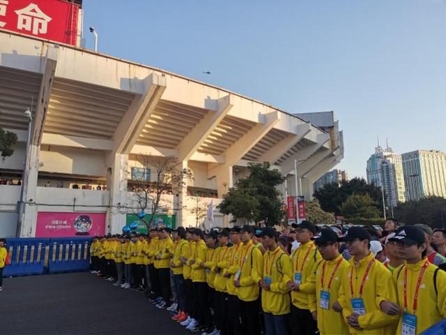 """3万跑者首尝广马分枪""""头啖汤"""" ,赛事更具有专业度和国际度_全马"""