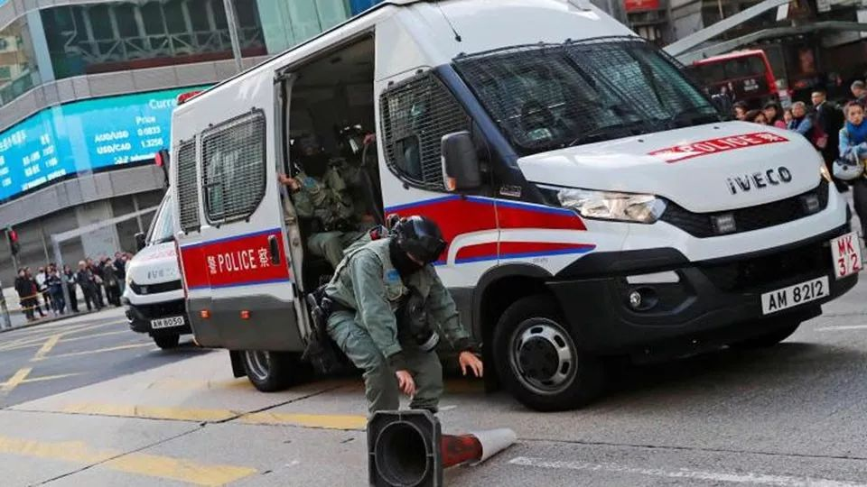 """蜡头唔衬食鸡肶香港暴徒号召""""三罢"""" 响应者寥"""