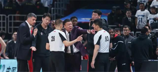 顾全+1.4秒!CBA官宣:3次错判助北京战胜深圳