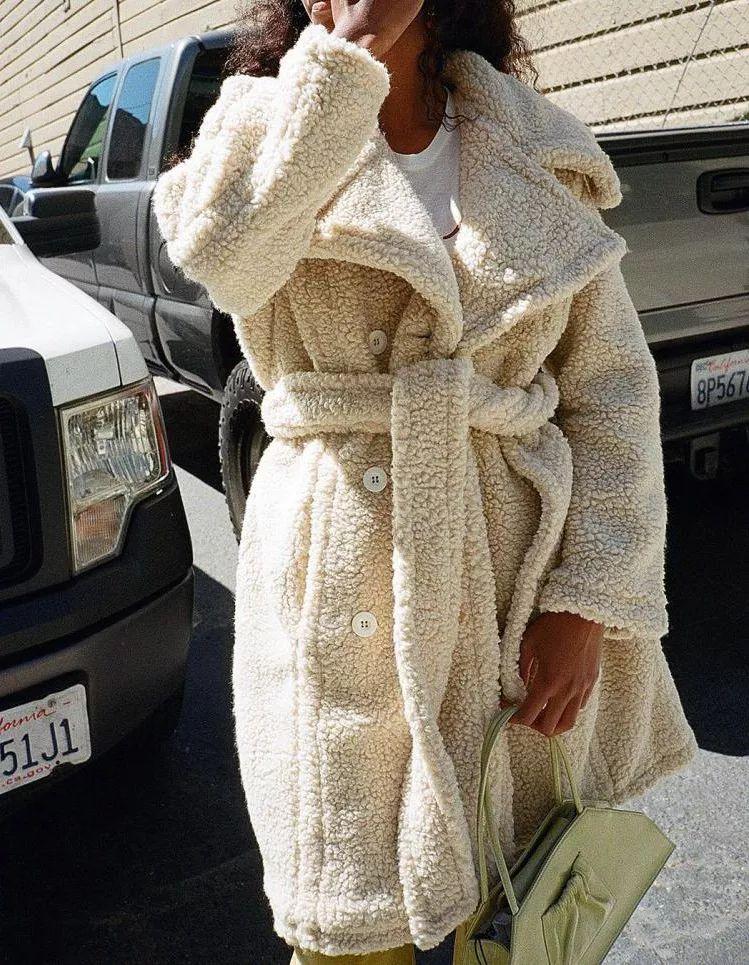 蛋壳色,2020秋冬女装流行色,太温馨了