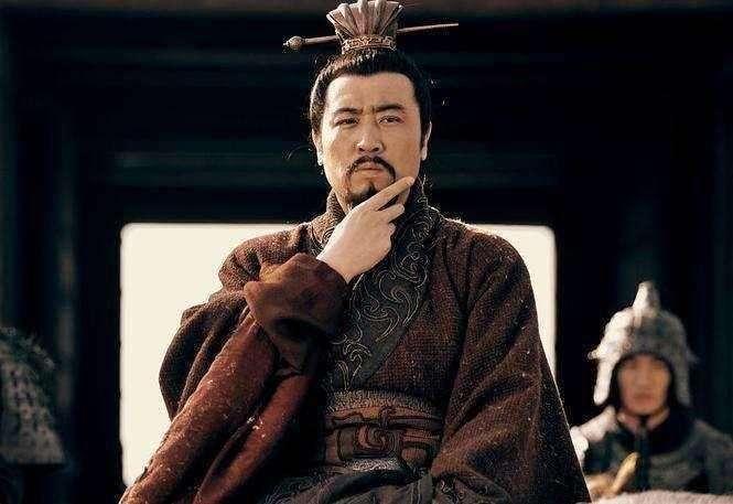原创             吕布死之前骂了刘备三个字,传到了现在