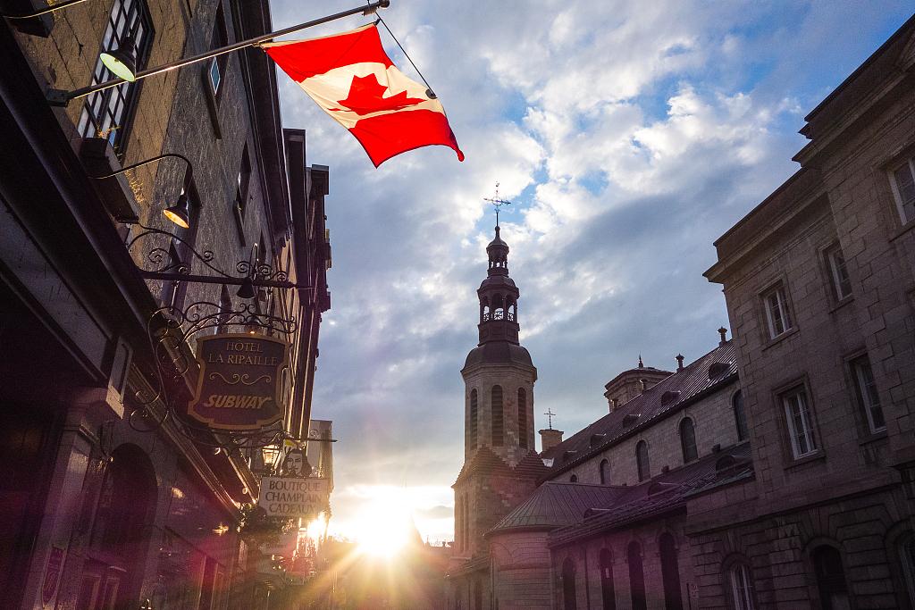 中国学生想冲刺加拿大名校,什么时候出国最有利?