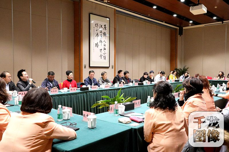 <b>台湾中华两岸妇女经贸文化交流协会代表团一行到访北京台湾会馆</b>