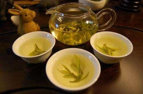 """饭后喝茶水可以瘦身?营养师辟谣:2种水都起不到""""减肥效果"""""""
