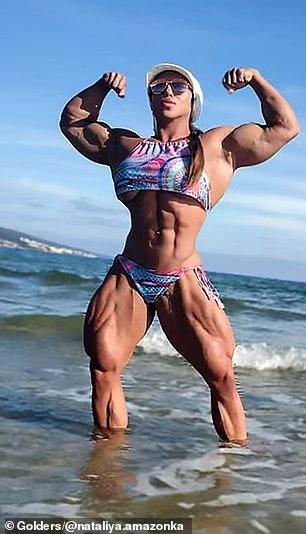 俄羅斯女子健美冠軍一身橫肉傲視群雄,身型嬌柔的老公怎么想?