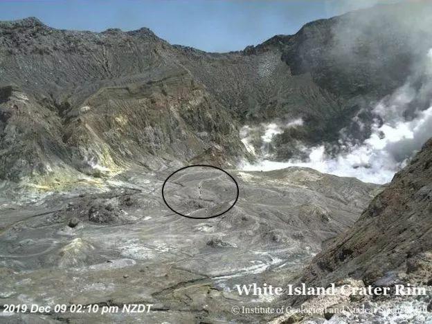 犹如末日!新西兰火山爆发,瞬间吞没旅游胜地,2名中国游客失踪!
