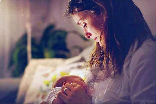 ''看不惯吹嘘母乳喂养'',宝妈为苗条不喂母乳,2年后悔不当初
