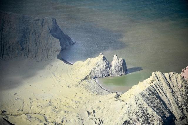 新西兰火山喷发后一离岛船曾掉头帮忙!涉事旅游公司称此前无迹象