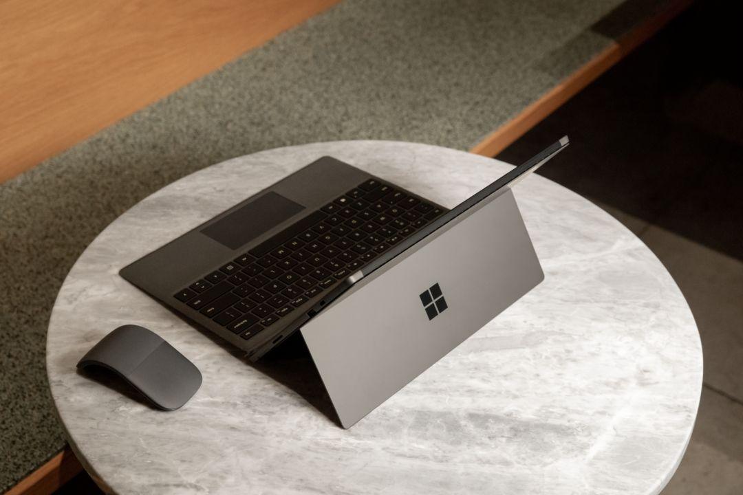 <b>【Surface 来了】全新 Surface 商用版焕新登场</b>
