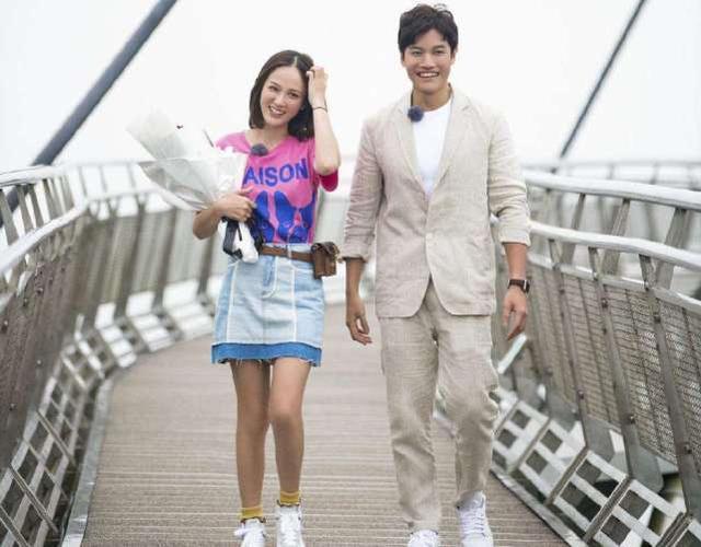 全网都在关注陈小春喜得二胎时,她突然宣布结婚喜讯,太快了吧?