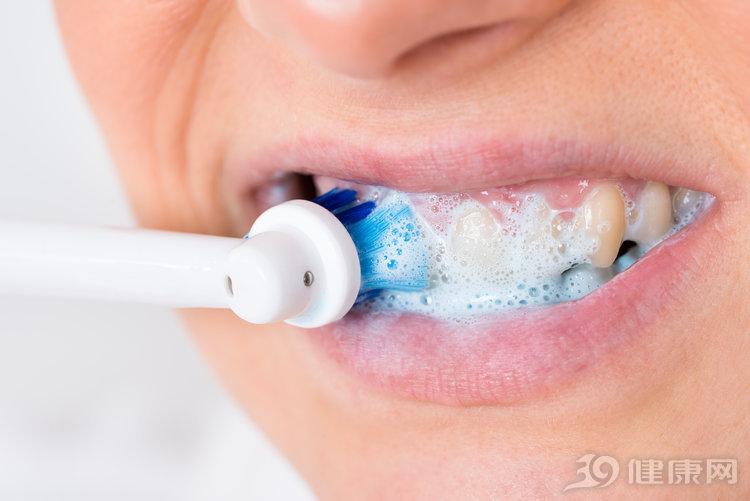 先吃早餐刷牙,还是刷了再吃?这里解释得很明白!
