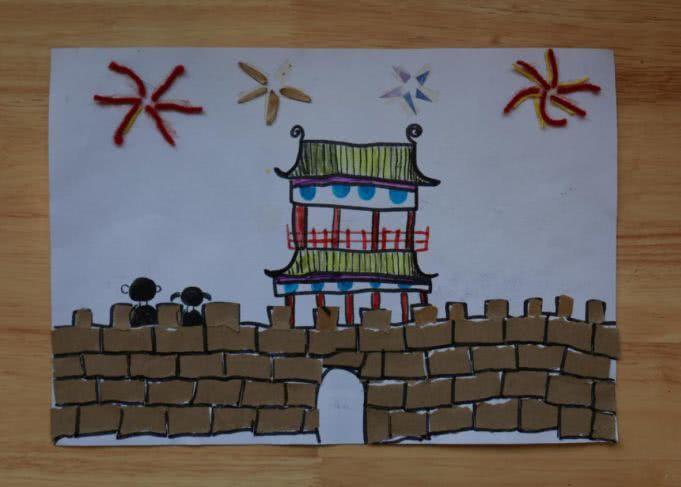 刘筱旭:我画的是南城门的烟花,南城门的烟花特别的漂亮,好像一个童话世界.