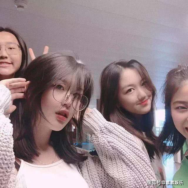 李嫣發文還有2天就放假回國,她在國外的學習這幺輕松嗎?