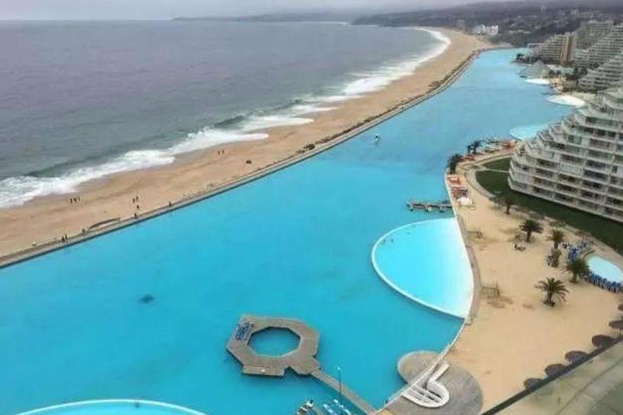世界上最大游泳池,耗资90多亿人民币修建,面积达到8万平方米