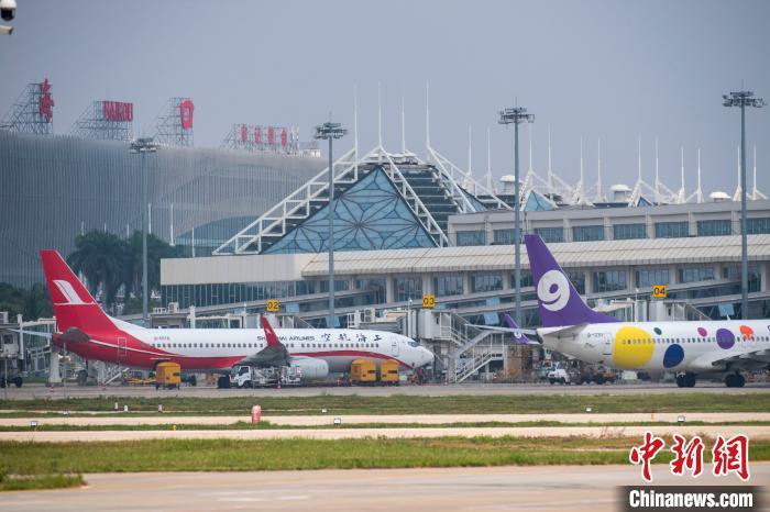 海口美兰国际机场进出境航班首破1万架次