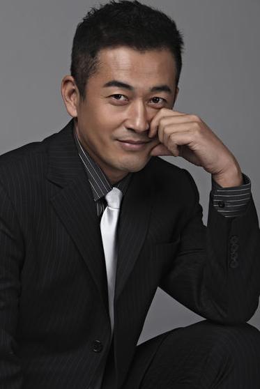 王志飞谈影视圈高片酬现象:经纪人队伍不够规范和专业