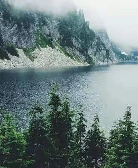 一言一诗一心境,一山一水度余生