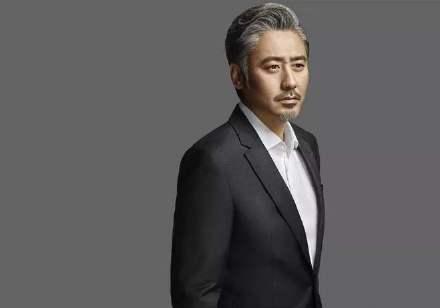 """""""吴秀波息影一年首露面"""":51岁的他,还能在事业上有春天吗?"""