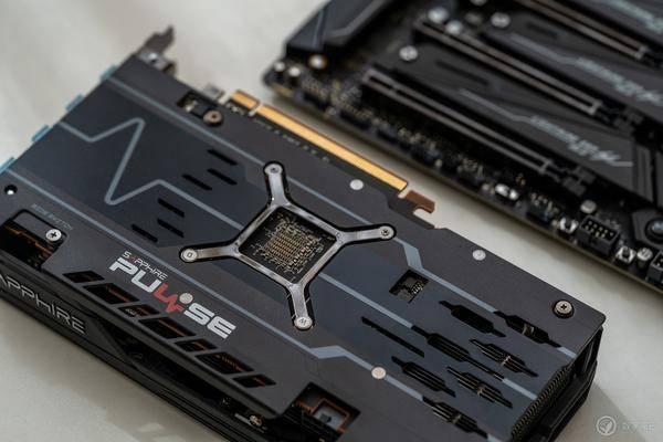 AMDRADEON5500XT顯卡首測:通吃1080p游戲!