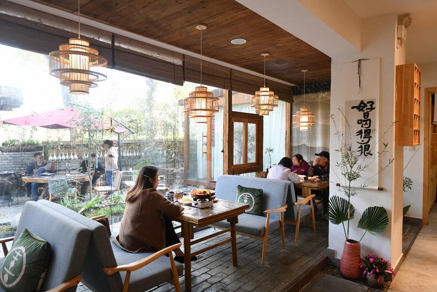 品美食、赏美景、拍美照 40名资深美食家齐聚东湖畔品田园美食