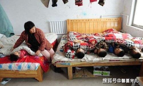 6年生了5个孩子,25岁又怀孕,宝妈:我们不知道怎么避孕
