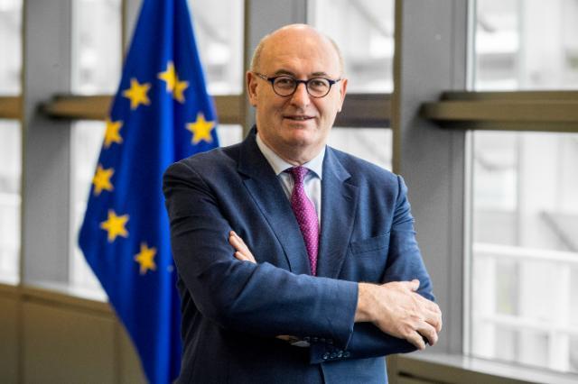 美想對歐征稅?歐盟貿易新掌門答一財:團結一致強力應對|