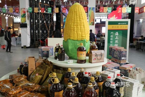 """网红美女再战""""双十二"""",助力武功电商产品热销全国"""