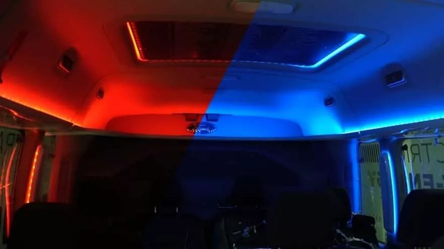 福特用不同颜色的环境照明节省能源延长电动汽车的续航里程