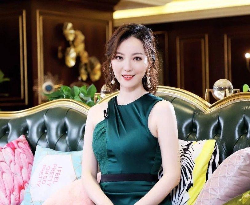 2019年中国主持人排行_邀 2019年中国房企产品力排行榜TOP100发布会