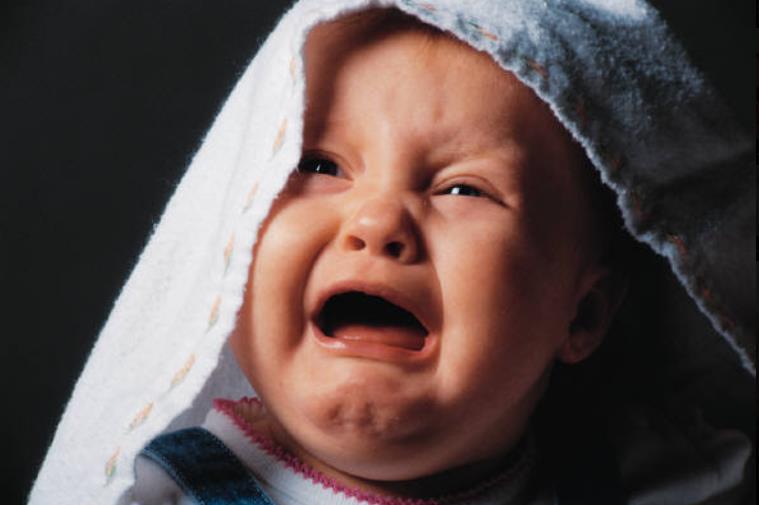 夜深人静,宝宝啼哭声格外响亮;妈妈知道这些原因和解决方法吗?