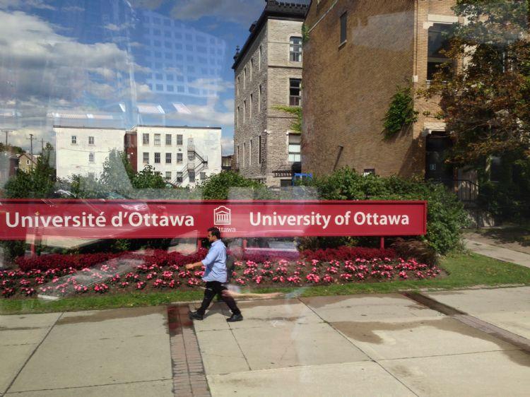 高中生如何往哪些方面努力考渥太華大學?