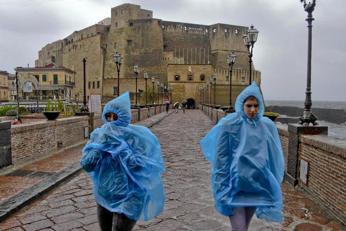 降水席卷意大利部分城市要求学校停课