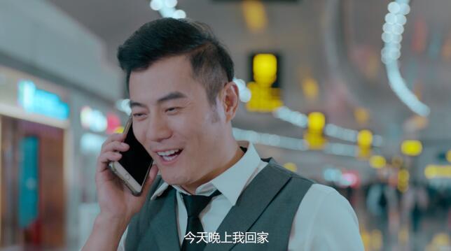 重庆机场首支微电影上线 反转故事展现全新中转服务