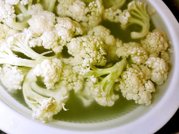 花菜沙茶沙鸡爪菇,吃来有心潮澎湃的感觉
