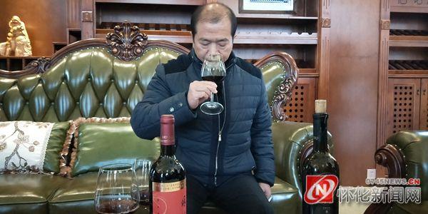 """村头条·星发现 酿酒大师武世新:一生只为""""酒飘香"""""""