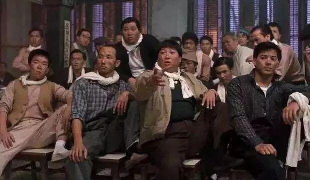 """成龙的成家班号称""""飞虎队"""",为何名气却不敌洪金宝的洪家班?"""